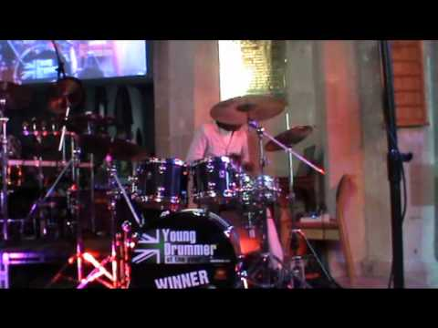 Stephen Asamoah Playing Wave Your Banner By Kierra Sheard !.wmv