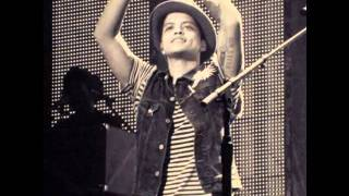Bruno Mars Pictures - unreleased song gold