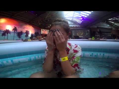 Scratch Reviews- Hot Tub Cinema (Top Gun)