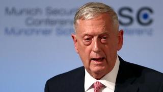 أخبار عالمية - وزير الدفاع الأمريكي يصل جيبوتي في زيارة مفاجئة