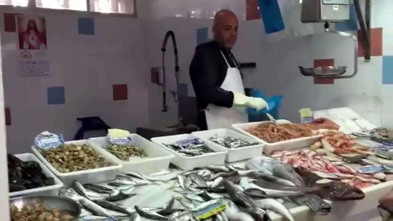 Sounds from the fish market in san pedro youtube for Fish market san pedro