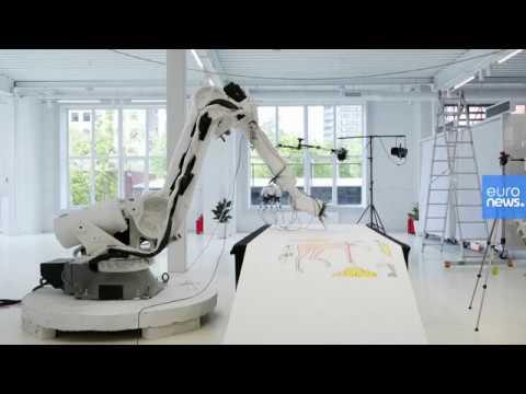 روبوت -فنان- يحاكي الزخارف الفنية من وحي التراث في روسيا  - 11:00-2020 / 5 / 27