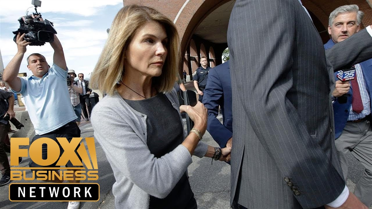 Admissions scam: Loughlin, Giannulli stick with the same legal team