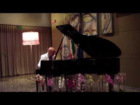 Concerto del Pianista Roberto Santucci al T Hotel di Cagliari - Terza