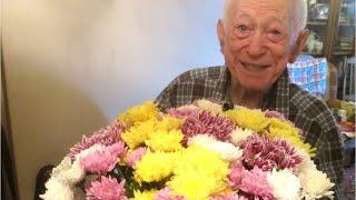РОСАВТОБАНК поздравил людей старшего возраста с Днем пожилого человека