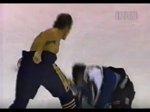 Rob Ray Demolishes Kevin Kaminski, Hockey Fights