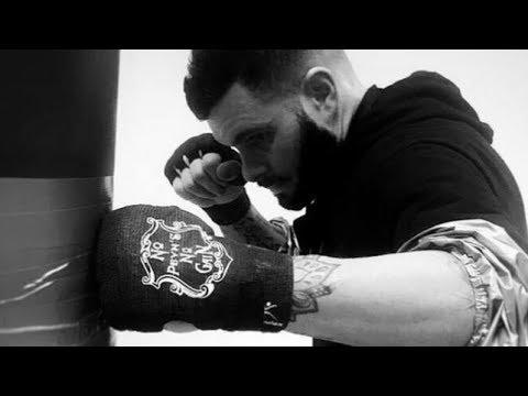 Un nouveau concept de bandage pour les boxeurs / BANDAX