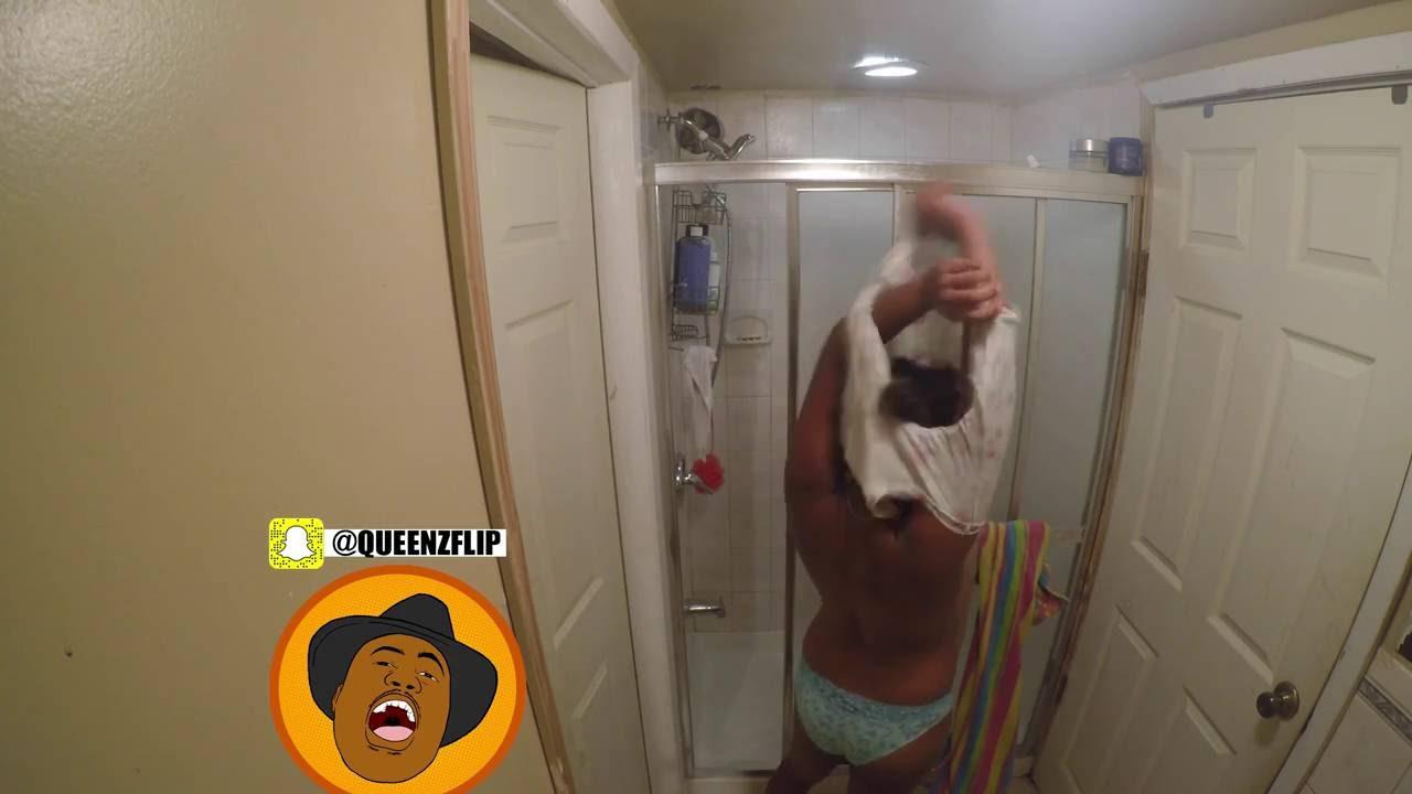 Wife shower foto 97