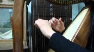 「春よ、来い」をハープで弾いてみました。ちゃんと聴きこまず、うろ覚...