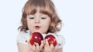 """""""Küçük Kız ve İki Elma"""" ALINTI - Seslendiren:Venhar SAĞIROĞLU"""