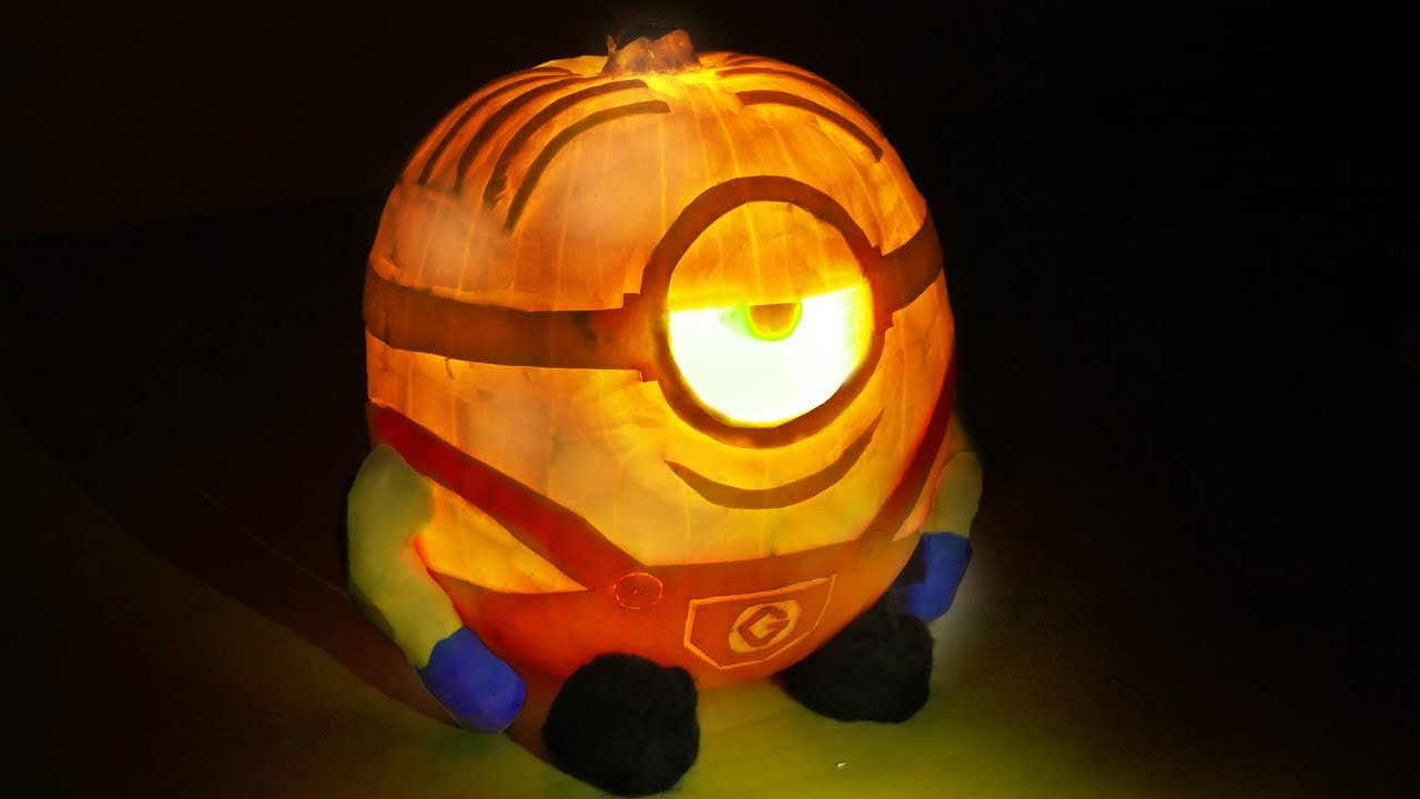 How to carve a Minion Pumpkin design