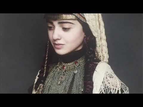 Lena Chamamyan - Sareri Hovin Mernem (с переводом на русский)