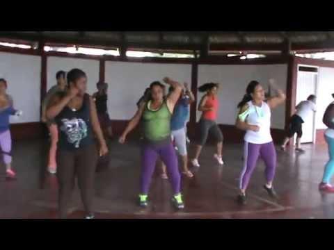 Aerobicos para adelgazar bailando merengue en