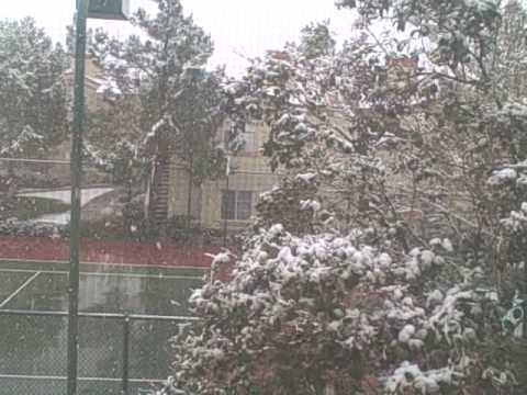 NEWS FLASH...Home Business Entrepreneur Reports Snowing in Vegas