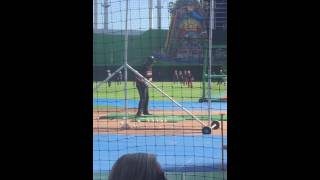 13u Blaze Jordan hits 3 homeruns over Marlins stadium during batting practice