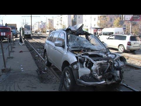 Два пешехода погибли после наезда на трамвайной остановке в Улан-Удэ