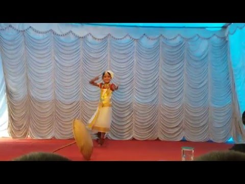 Bhavika Folk Dance....... Perumthachan Song