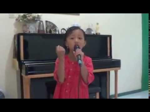 "Penyanyi Kecil Berbakat Hebat Menyanyi ""You Raise Me Up"""