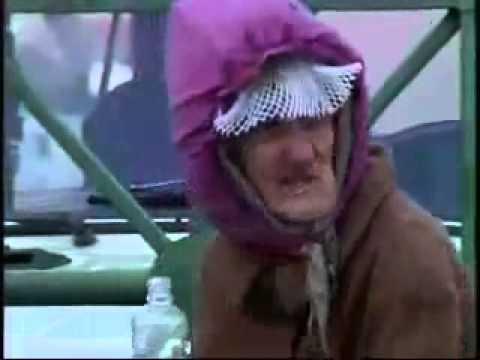 Бомжиха босиком видео фото 388-223