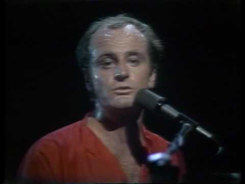 Peter Allen - Quiet Please, There's a Lady on Stage (live)