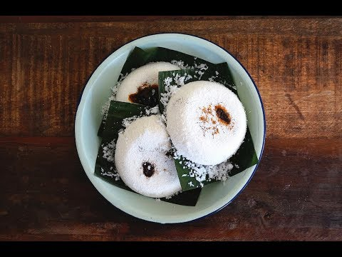 Download Putu Piring (Steamed Rice Cake With Coconut and Palm Sugar)