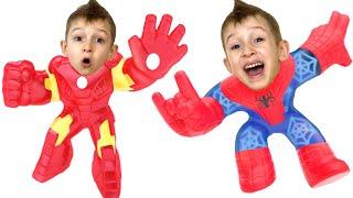 Руслан собирается показать как играть с новыми игрушками GooJitZu  Marvel