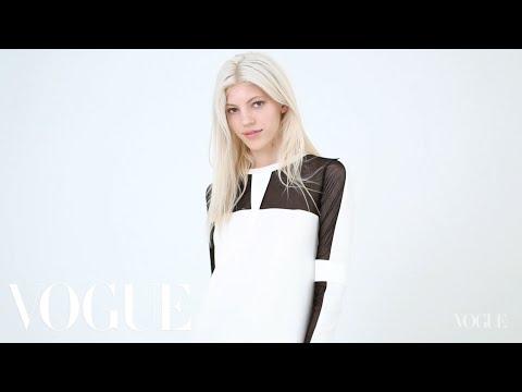 Model Wall: Devon Windsor - Vogue