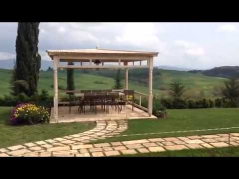 Outdoor design in Tuscan Countryside, By Garden House Lazzerini