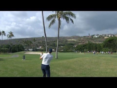 Jordan Spieth splits the uprights at Sony Open