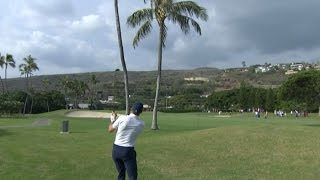 Jordan Spieth splits the uprights at Sony Open