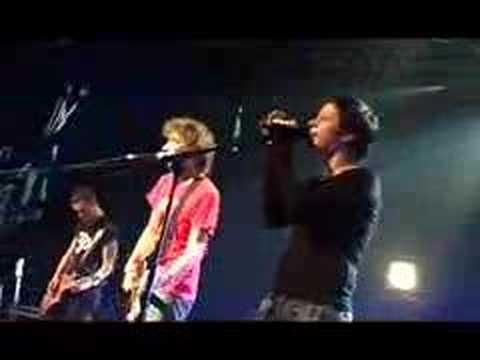 Yann Tiersen - La rade (On Tour) CanalPlus-Madrid mp3