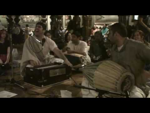 NY Eve Bhajan - Amala Kirtan das - Hare Krishna - 9/21