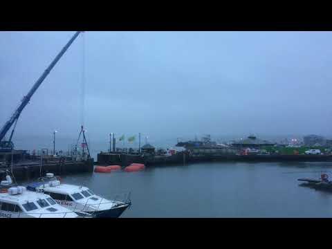 Timelapse - Padstow harbour tidal gate maintenance work
