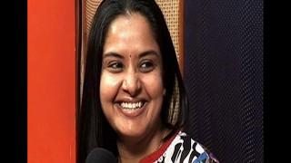 Pragathi Aunti Hot Saree With tattoo Rare Video
