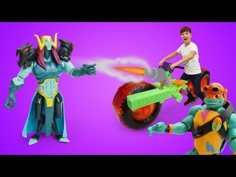 Крутые истории игрушек. Ниндзя танк для Черепашки-ниндзя! Видео игры для мальчиков.