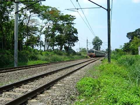 Kereta api : Indonesia Electric Train at Bintaro Travel Video