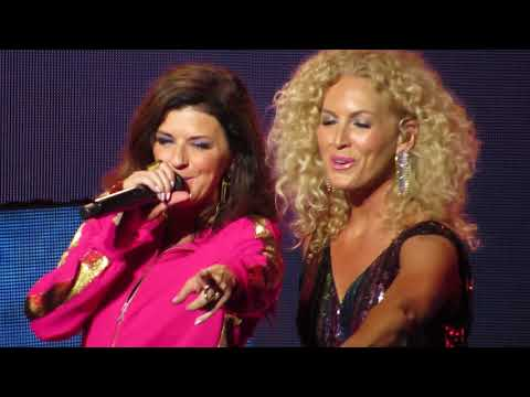 Little Big Town singing Pontoon in concert 7/21/18 at Xfinity Center MA