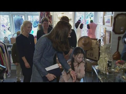 Girl takes Kate on impromptu tour of charity shop