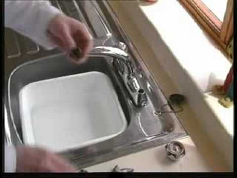 Changing A Washer On A Mixer Tap >> Replacing Tap Washers - UK - YouTube
