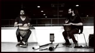 Duelo djembes. Christian dehugo y Marcos Úbeda.