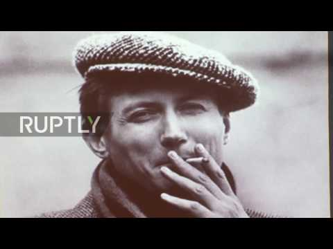 Russia: Mourners pay final respects to poet Yevgeny Yevtushenko in Moscow