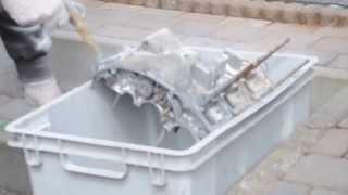 Nettoyage moteur Kawasaki 350 S2 avec bicarbonnate de soude 1/2