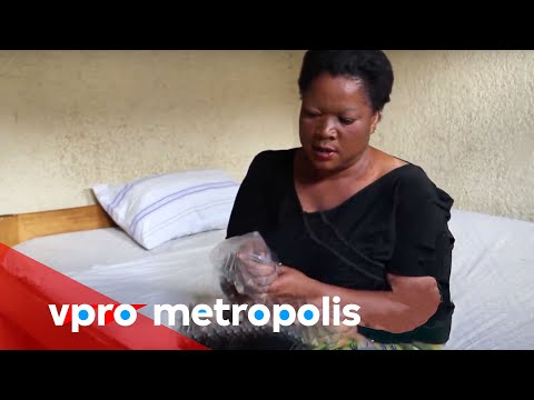 Plastic bag as a condom in Congo - vpro Metropolis thumbnail