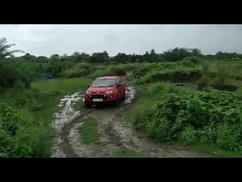Ford EcoSport offroading in slush