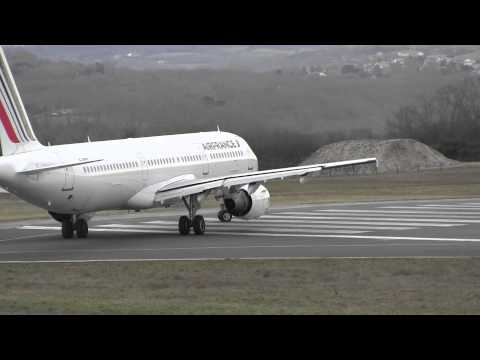 Air France A321 take off rwy 27 at Biarritz (LFBZ/BIQ)
