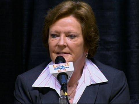 Pat Summitt Retires