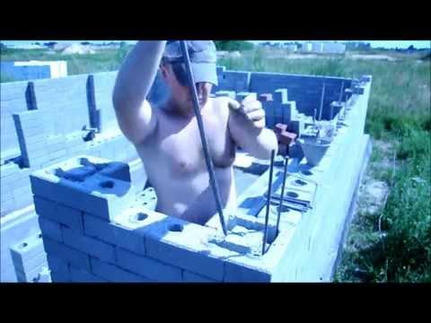 видео: Узнайте как построить гараж 5*6 за 500 долларов.