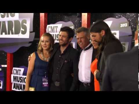 Randry Travis & Avett Brothers CMT Music Awards