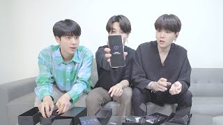 BTS Unboxes the Samsung Galaxy S20+ 5G BTS Edition