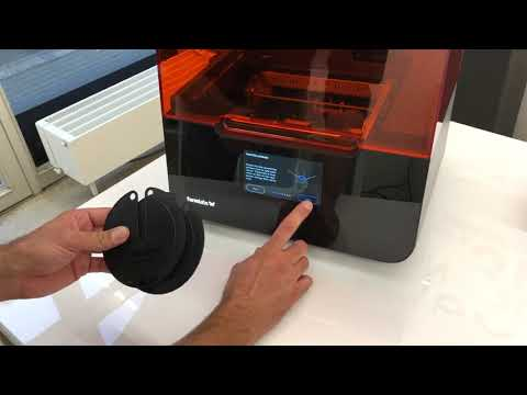 Formlabs Form 3 unboxing, installation and print part 2/3